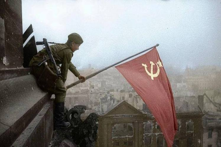 Bandera roja en Berlin