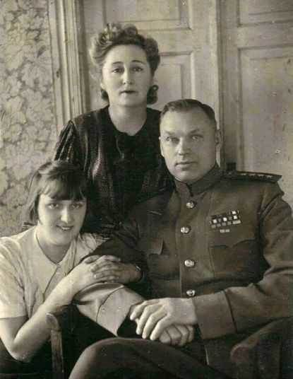 Rokossovsky y familia