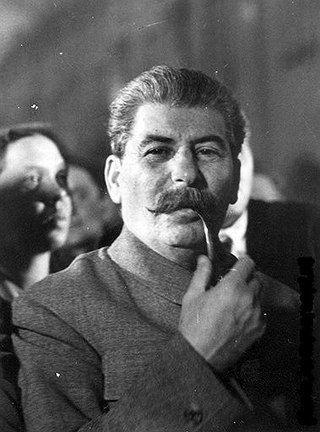 Stalin fumando